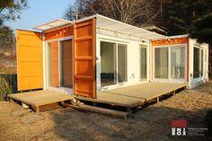 Buscá imágenes de diseños de Casas estilo moderno de (주)감동C&D 유니박스. Encontrá las mejores fotos para inspirarte y creá tu hogar perfecto.