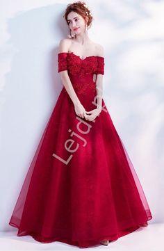 f7b7127342 Fenomenalna suknia tiulowa zdobiona na dekolcie koralikami i kryształkami -  czerwone wino - Katniss