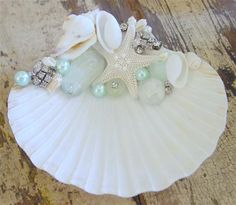 Sea Glass Crafts, Sea Crafts, Sea Glass Art, Diy Arts And Crafts, Seashell Painting, Seashell Art, Seashell Crafts, Seashell Projects, Shell Flowers