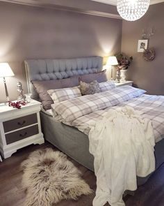 Decor Room, Diy Bedroom Decor, Home Decor, Complete Bathrooms, Bedroom Office, Bed Styling, Home Improvement Projects, Cozy House, Scandinavian Design