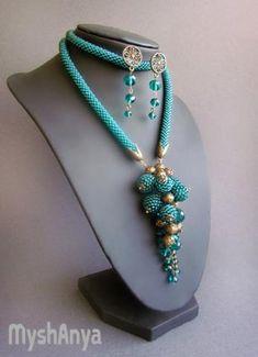 """Indira"" Rope Jewelry, Seed Bead Jewelry, Bead Jewellery, Wire Wrapped Jewelry, Jewelry Art, Stylish Jewelry, Fashion Jewelry, Collar Rosa, Motifs Perler"