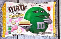 The Valentine's Day M&M's White Cheesecake candy is pink, white, and pale yellow and are made with white chocolate. The limited-edition chocolate is available in stores. White Chocolate Creme Brulee, White Chocolate Cheesecake, M M Candy, Candy Bowl, Holiday Pies, Valentine Chocolate, Chocolate Candies, Chocolate Bars, Chips