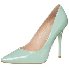 Buffalo Classic heels patent green light (1,655 MXN) ❤ liked on Polyvore featuring shoes, pumps, heels, mint, pointy-toe pumps, mint green pumps, pointed-toe pumps, green pumps and heels & pumps