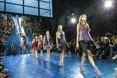 Mary Katrantzou Spring 2016 Ready-to-Wear Atmosphere and Candid Photos - Vogue