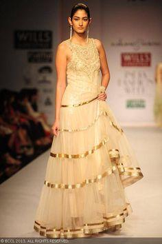 Shreiyah Sabharwal walks the ramp for Rabani and Rakha on Day 4 of Wills Lifestyle India Fashion Week (WIFW) Spring/Summer 2014, held in Delhi #lehnga