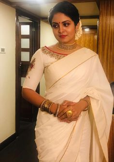 Gayathri arun Set Saree Kerala, Kerala Saree Blouse, Kerala Engagement Dress, Engagement Saree, Onam Saree, Kasavu Saree, Fancy Blouse Designs, Saree Blouse Designs, Cutwork Saree