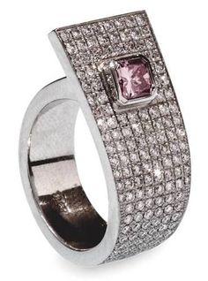 pink_diamond_ring.......