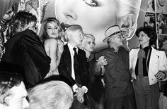 Jerry Hall, Andy Warhol, Debby Harry, Truman Capote & Paloma Picasso. Wish I was there!
