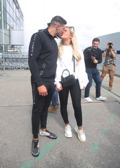 'Love Island' Fans Are Convinced That Tommy Fury and Molly-Mae Hague Have Already Broken Up - Info Ideal Celebrity Couples, Celebrity News, Love Island Final, Ricky Hatton, Instagram Snap, Celebs, Celebrities, Couple Goals, Everything