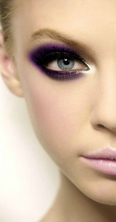 Love the pure purple pigment mixed with navy blue  shadow on the lid. A hint of silver to the inner eye creates a lux finish. Tracy Marie-TBBD