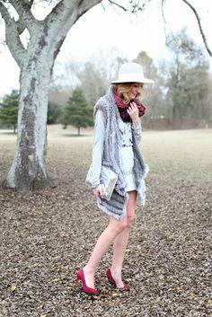 Umgee Brand Ambassador Krystal Bennett from a Pinch of Lovely wears our High waist Quilted Pencil Skirt!