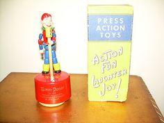 Howdy Doody, 1950s, Kohner, wood figure /plastic base Howdy Doody, Action Toys, Puppets, Vintage Toys, 1950s, Joy, Plastic, Base, Antiques