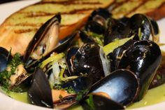 #CapeCod #TheDrake #Chicago #Food #Delicious #mussels #seafood thedrakehotel.com/dining