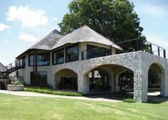 Great location on the border of Kruger National Park in Limpopo. Golf Course and Spa plus wonderfully appointed rooms.