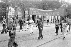 Spain - 1936. - GC - Madrid - Manifestación en la calle Génova. Batallón femenino Rosa Luxemburgo