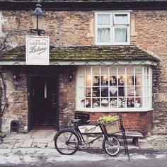 Lacock Bakery Wiltshire  Photo by @jackmcconnell  Tag us in your best shots of Great Britain  _____________________________________________ #uk #greatbritain #visitbritain #lovegreatbritain #capturingbritain #unitedkingdom #britains_talent #ukpotd #ig_britishisles #lacock #cotswolds #wiltshire #thecotswolds #igerswiltshire #england #photosofengland #ig_england #igersengland #visitengland #thisisengland by visitbritain