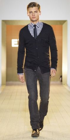 We post a lot of women's conference fashion but how about some men's! This is a great look..