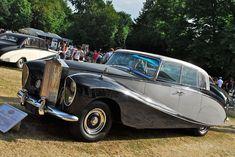 1956 Rolls-Royce Silver Wraith Perspex Top Saloon by Hooper Rolls Royce Limousine, Rolls Royce Cars, Rolls Royce Silver Wraith, Fiat 500, Classic Motors, Classic Cars, Vintage Cars, Antique Cars, Classic Rolls Royce