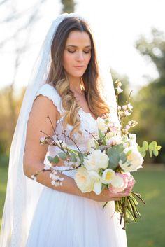 Spring wedding bridal bouquet Elegant Wedding Gowns, Bohemian Wedding Dresses, Luxury Wedding, Spring Wedding, Wedding Day, Greece Wedding, Beautiful Bride, Perfect Wedding, Wedding Photos