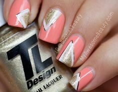 stripes gold white geometry coral nails