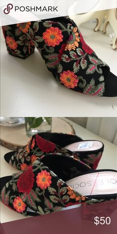 Sole Society Floral Mules Beautiful and so on trend the mules were never worn! The covered heel makes them oh so chic!!! Sole Society Shoes Sandals