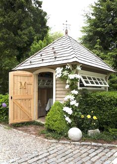 Nice 57 Inspiring Garden Shed Ideas You Can Afford https://roomaniac.com/57-inspiring-garden-shed-ideas-can-afford/