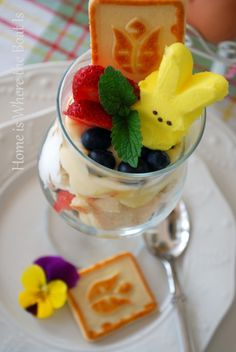 lots of great ideas for using peeps in easter decorating
