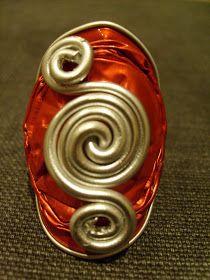 Anello con cialda nespresso bordeaux e filo di alluminio Cod. A09 Anello con cialda nespresso rosso chiaro e filo di allum...