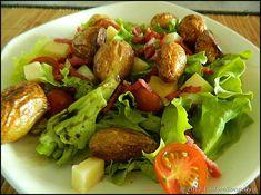 Salade composée pommes de terre, cantal et bacon Perfect Squat, Bacon, Le Diner, Cobb Salad, Cooking Tips, Potato Salad, Healthy Snacks, Snack Recipes, Brunch