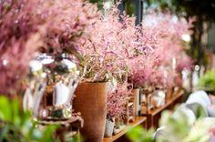 Flores e decoração: Bothanica Paulista Wedding Decorations, Table Decorations, Backyard Pergola, Event Management, Garden, Flowers, Plants, Camila, Desk Arrangements