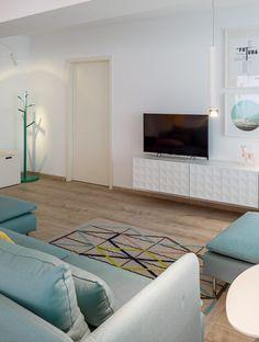 Minimalism împletit cu mici accente retro și tonuri vesele de culoare într-un apartament din București | Jurnal de Design Interior