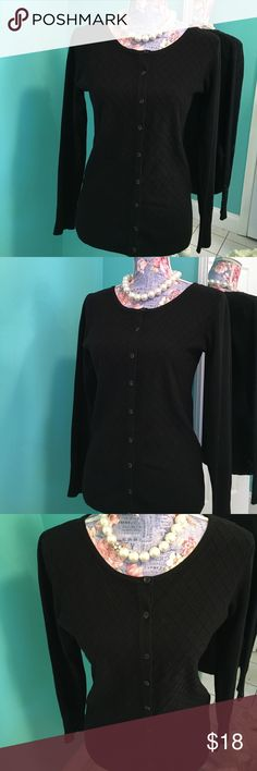 💋AMAZINGLY SOFT & High Quality Women's Sweater 💋 💋This beautiful jet black, button up sweater is made of the softest wool blend!!  💋Like-new, in excellent condition & zero flaws!!!  Just beautifully feminine & cozy comfortable!!!                                                   💋Very stretchy!!!  Women's Medium-Large , Bust: 17.5, Length: 24.5 (one side & laying flat). Vila Milano Sweaters Cardigans