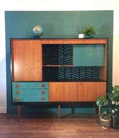 Painted Furniture Mid Century Consoles New Ideas Hand Painted Furniture, Refurbished Furniture, Upcycled Furniture, Vintage Furniture, Cool Furniture, Furniture Design, Furniture Ideas, Retro Furniture Makeover, Furniture Stencil