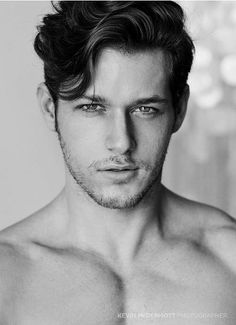 This may be possible for my hair type. Cool Hairstyles For Men, Haircuts For Men, Latest Hairstyles, Face Men, Male Face, Hot Hair Styles, Medium Hair Styles, Hot Guys, Hair Pomade