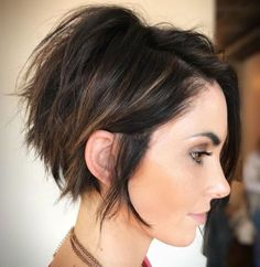 10 Pixie Haircut Inspiration, Latest Short Hair Styles for Women 2019 - Frisuren Tutorials - Frisuren Short Hair Trends, Short Hair Styles Easy, Short Hair With Layers, Curly Hair Styles, Hair Trends 2018, Short Hair Cuts For Women With Round Faces, Short Hair Over 50, Bob With Side Fringe, Hair For Women Over 50