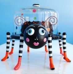 Glitterville Halloween Spider Cake Stand with Glass Dome Cover, 3-piece Set by 180 Degrees, http://www.amazon.com/dp/B003YW842M/ref=cm_sw_r_pi_dp_.aRoqb14MDFXD