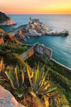 Porto Venere, Italië, www.nl/italie (by Simone Panzeri) Italy Vacation, Italy Travel, Italy Honeymoon, Italy Trip, Vacation Travel, Places To Travel, Places To See, Wonderful Places, Beautiful Places