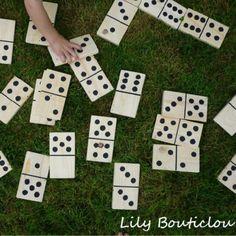 Un jeu de dominos XL en bois de palette