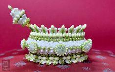 Flower Garlands, Flower Decorations, Thai Pattern, Floral Arrangements, Flower Arrangement, Hand Flowers, Thai Dress, Thai Art, Thai Style