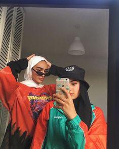 Modern Hijab Fashion, Street Hijab Fashion, Modesty Fashion, Hijab Fashion Inspiration, Muslim Fashion, Mode Turban, Hijab Fashionista, Teenage Outfits, Niqab