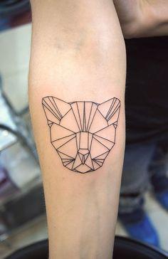 Small Geometry tiger tattoo. Татуировка контурный геометрический тигр.