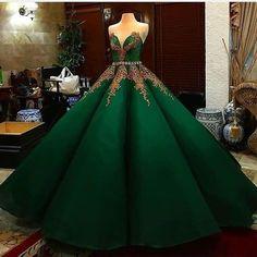 Ball Gown Dresses, 15 Dresses, Pretty Dresses, Dress Outfits, Fashion Dresses, Elegant Dresses, Formal Dresses, Maskerade Outfit, Quince Dresses