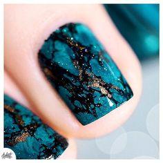 Petit Zoom sur le Nailart Turquoise à retrouver sur le blog ! Merci pour vos nombreux mots, ça fait treeeees plaisir ❤️❤️❤️ #nails #nailstagram #nailart #nailsofinstagram #vernisaongles #vernis (Désolee pour le repost j'avais oublié mon petit cadre )