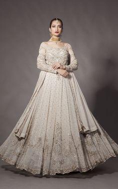 West meets East: beautiful white bridal dress by Fahad Hussayn, Pakistani fashion designer Source by dress pakistani Desi Wedding Dresses, Asian Bridal Dresses, Asian Wedding Dress, Bridal Outfits, Indian Dresses, Bridal Gowns, Bridal Lehenga, Wedding Suits, Walima Dress