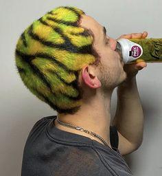 Dread Hairstyles, Pretty Hairstyles, Undercut, Shaved Head Designs, Buzzed Hair, Hair Cutting Techniques, Bald Hair, Haircut And Color, Yellow Hair