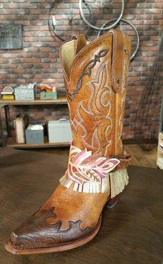 Embellished boots on Make It Artsy