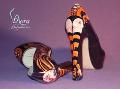 https://www.facebook.com/pages/DORA-Hand-Painted-Shoes/144006675801939  #shoes #handpainted #hand #painted #fashion #art #ooak #scarpe #dipinte #mano #halloween #pumpkins #zucche #gatto #nero #black #cat #witch #strega #hight #heels  #tacco #alto