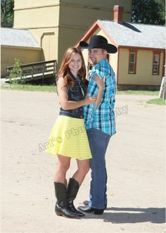 Engagement pictures country