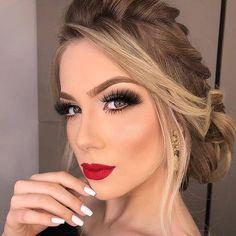 Super Bold Bridal Makeup Hochzeit Make Up Ideen - Wedding Makeup Bohemian Wedding Eye Makeup, Bride Makeup, Party Makeup, Hair Wedding, Red Lip Makeup, Glam Makeup, Hair Makeup, Glamorous Makeup, Make Up Looks