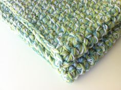 chunky crochet blanket I might be able to do this!